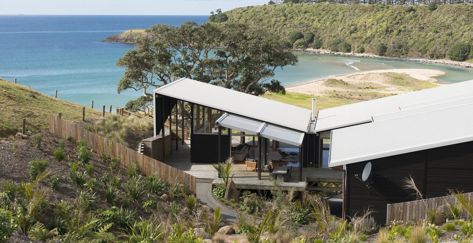 Otaha Beachfront Lodge New Zealand North Island