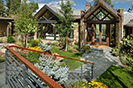 Forest Lane Contemporary Vacation Home Close to ski lifts