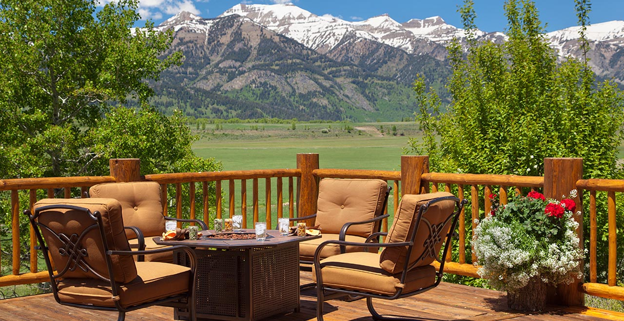 Home on the range jackson holiday letting vacation for Jackson wyoming cabin rentals